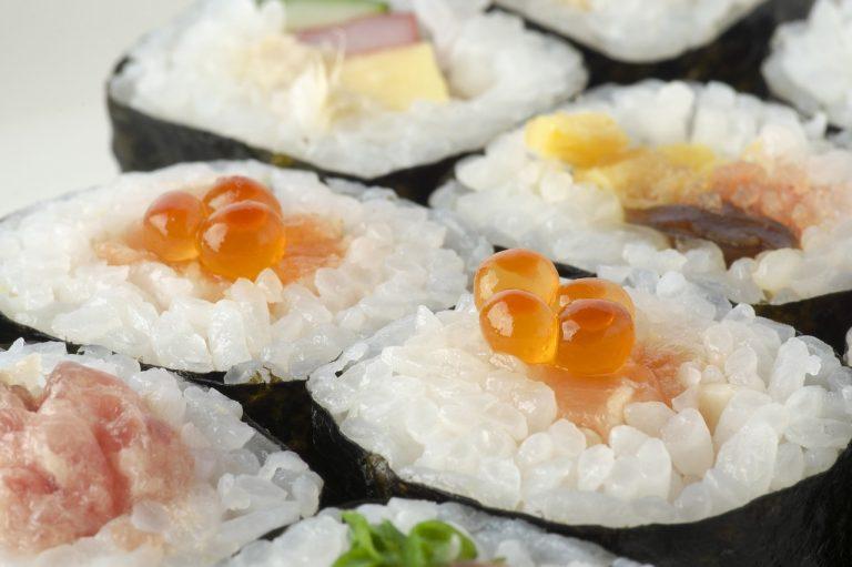 sushi-rolls-2110486_1280